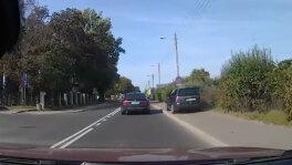 Wyprzedzał auta chodnikiem