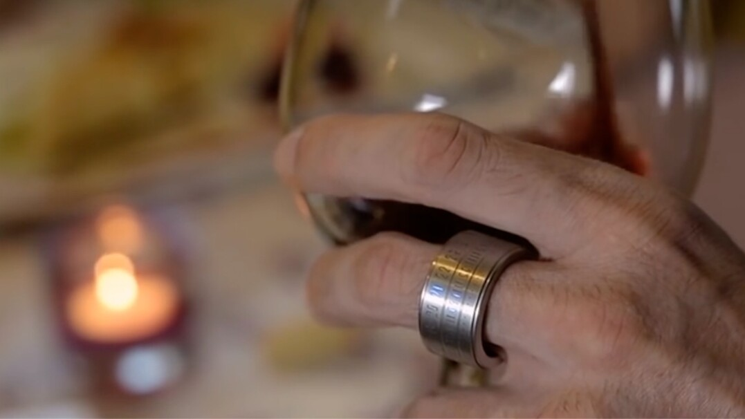 Pierścień i zegarek w jednym. Szykowny i przyszłościowy