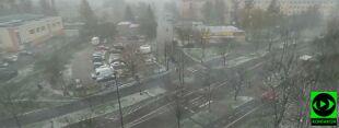 """""""Zima w kwietniu"""". Spadł śnieg, pojawiła się krupa śnieżna"""
