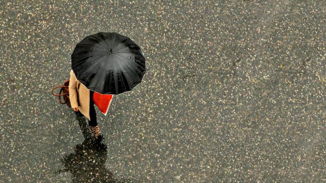 Pogoda na dziś: przelotnie popada deszcz, do 7 stopni Celsjusza