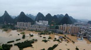 Powódź w Chinach (EPA/Liao Ziyuan)