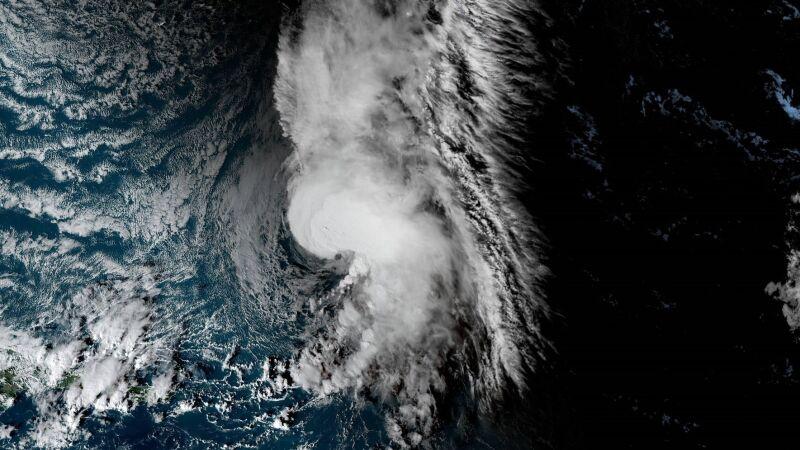 Tak wygląda Sebastien na zdjęciach satelitarnych (NOAA)